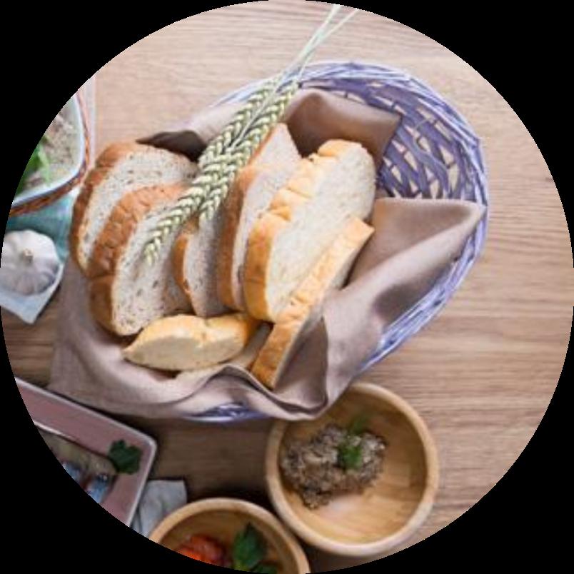 Корзина домашнего хлеба