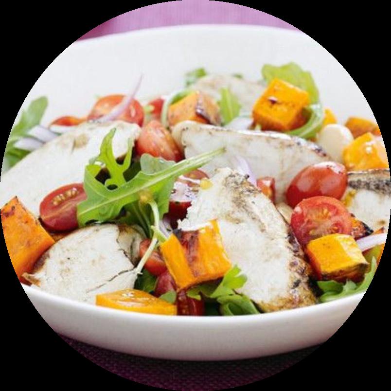 Салат с куриной грудкой и пряной тыквой
