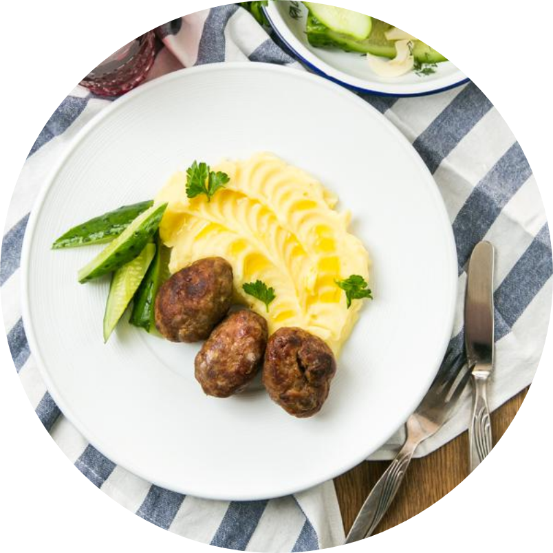 Meat cutlets with mashed potatoes