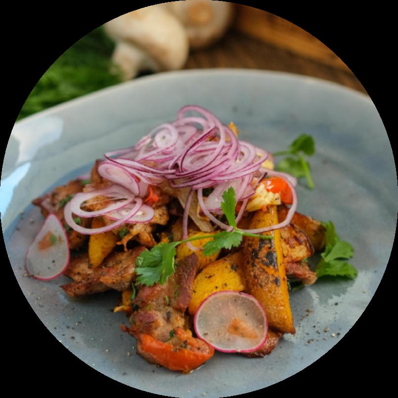 Обугленный картофель со свининой